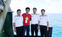 """Quà tặng Trường Sa của Quỹ """"vì chủ quyền biển đảo Việt Nam"""" tại Hàn Quốc"""