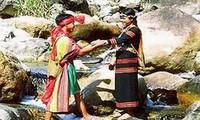 Trang phục của đồng bào dân tộc Xơ Đăng