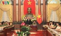 Chủ tịch nước Trần Đại Quang gặp mặt Phụ nữ Công an tiêu biểu năm 2016