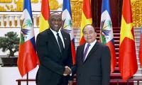 Thủ tướng Nguyễn Xuân Phúc tiếp Chủ tịch Thượng viện Haiti