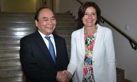 Thủ tướng Nguyễn Xuân Phúc gặp gỡ, làm việc với Lãnh đạo Bang Rheinland-Pfalz