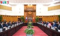 Thủ tướng Nguyễn Xuân Phúc tiếp Phó Chủ tịch nước CHDCND Lào Phankham Viphavanh