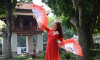 Bông hồng nhỏ của trường tiếng Việt Sao Mai