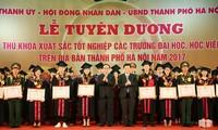 Hà Nội tuyên dương 84 thủ khoa xuất sắc năm 2017