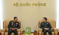 Đại tướng Ngô Xuân Lịch, Bộ trưởng Bộ Quốc phòng tiếp Đoàn Hội Cựu chiến binh Campuchia
