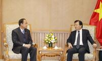 Phó Thủ tướng Trịnh Đình Dũng tiếp Chủ tịch Hội Hữu nghị Myanmar – Việt Nam U Tint Swai