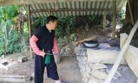 Bí quyết nghề rèn của đồng bào dân tộc Mông