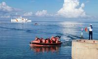 Kiều bào thăm, động viên cán bộ, chiến sỹ trên quần đảo Trường Sa và nhà giàn DK1