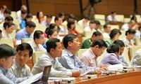 Kỳ họp thứ 5, Quốc hội khóa XIV: Thảo luận về 3 dự án luật