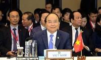 Thủ tướng kết thúc chuyến tham dự Hội nghị cấp cao ACMECS 8 và CLMV 9