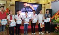 Hội đồng hương Hải Phòng tại Liên bang Nga trao phần thưởng cho các học sinh giỏi