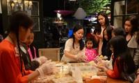 Người Việt tại Australia đón tết Trung thu để gìn giữ và lưu truyền văn hóa truyền thống