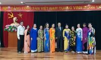 Gặp mặt các cựu giáo viên kiều bào Thái Lan về thăm Việt Nam