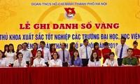 Hà Nội tuyên dương các thủ khoa xuất sắc
