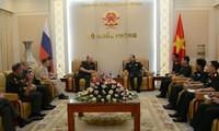 Tăng cường chia sẻ kinh nghiệm gìn giữ hòa bình giữa Nga và Việt Nam