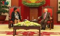 Tổng Bí thư Nguyễn Phú Trọng tiếp Đoàn Đảng Cộng sản Cuba