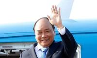 Thủ tướng Nguyễn Xuân Phúc lên đường tham dự cuộc gặp các nhà lãnh đạo ASEAN và thăm Indonesia