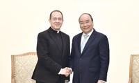 Thủ tướng Nguyễn Xuân Phúc tiếp Thứ trưởng Ngoại giao Tòa thánh Vatican