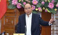 Thủ tướng Nguyễn Xuân Phúc chủ trì họp Thường trực Chính phủ bàn về công tác của Tiểu ban Kinh tế-Xã hội