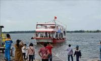 Hạ thủy tàu du lịch vỏ thép đầu tiên tại Quảng Nam