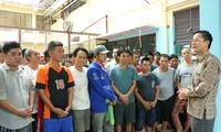 Đại sứ quán Việt Nam tại Indonesia thăm hỏi ngư dân trước thềm Tết Nguyên đán Kỷ Hợi