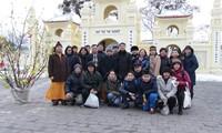 Phật tử người Việt tại Ucraina dự lễ cầu bình an tại chùa Trúc Lâm Kharkov