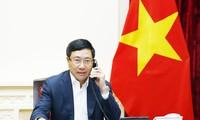 Ông Phạm Bình Minh điện đàm với Bộ trưởng Ngoại giao Malaysia