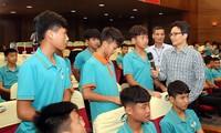 Phó Thủ tướng Vũ Đức Đam: Tập trung phát triển bóng đá trẻ chuyên nghiệp