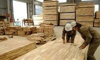 Lâm sản tăng cao nhất trong các nhóm hàng xuất khẩu trên 1 tỷ USD