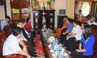 Bà Trương Thị Mai thăm, chúc mừng hòa thượng Dương Nhơn nhân lễ Phật đản 2019