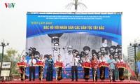 """Khai mạc triển lãm ảnh """"Bác Hồ với nhân dân các dân tộc Sơn La"""""""