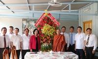 Trưởng ban Dân vận Trung ương Trương Thị Mai thăm và chúc mừng lễ Phật đản tại thành phố Cần Thơ