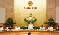 Phiên họp Chính phủ: Chú trọng phát triển hài hòa giữa kinh tế và văn hóa