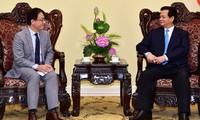 Нгуен Тан Зунг принял директора филиала АБР и посла Дании во Вьетнаме