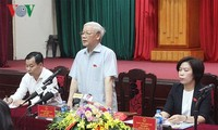 Генеральный секретарь ЦК КПВ Нгуен Фу Чонг встретился с избирателями Ханоя