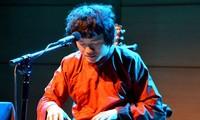 Музыкант Нго Хонг Куанг придаёт народной музыке современный облик