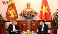 Вице-премьер, глава МИД Вьетнама встретился с прмьер-министром Шри-Ланки