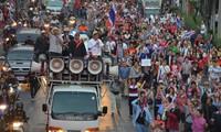 ตำรวจไทยจับกุมตัวแกนนำและผู้ชุมนุมประมาณ๑๐๐คน