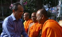 ประธานแนวร่วมปิตุภูมิเวียดนามกล่าวอวยพรประชาชนชนเผ่าเขมรในโอกาสปีใหม่โจลชนัมทไม