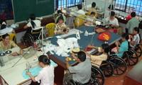 การปฏิบัตินโยบายและกฎหมายต่อผู้สูงอายุและคนพิการ