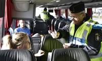 เดนมาร์กและสวีเดนใช้มาตรการตรวจสอบผู้อพยพใหม่ในเขตชายแดน