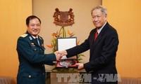 สิงคโปร์ให้ข้อสังเกตว่า อาเซียนมีพื้นฐานแทรกแซงปัญหาทะเลตะวันออก