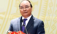 นายกรัฐมนตรีเวียดนามให้การต้อนรับรัฐมนตรีว่าการกระทรวงกิจการภายในของลาว