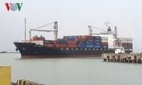 ท่าเรือดานังต้อนรับเรือบรรทุกสินค้าลำแรก
