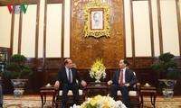 ผู้นำเวียดนามให้การต้อนรับเอกอัครราชทูตชิลีที่เข้าอำลาในโอกาสเสร็จสิ้นหน้าที่ตามวาระ