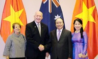 ผู้นำเวียดนามพบปะกับผู้สำเร็จราชการแห่งเครือรัฐออสเตรเลีย