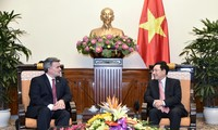 ผลักดันความสัมพันธมิตรภาพเวียดนาม-สหรัฐ