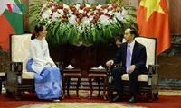 ประธานประเทศเวียดนามให้การต้อนรับที่ปรึกษาแห่งรัฐเมียนมาร์