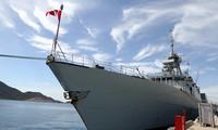 เรือของกองทัพเรือแคนาดาเยือนเวียดนาม