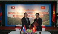 Vietnam Lao co-operation strengthened